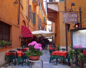 Lunch-time-in-Verona_001